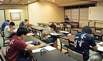 リスニング等のための自習室も用意